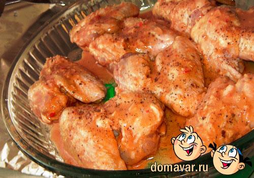 Куриные крылышки запеченные в соусе