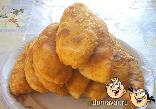 Жаренные пирожки с начинкой из капусты