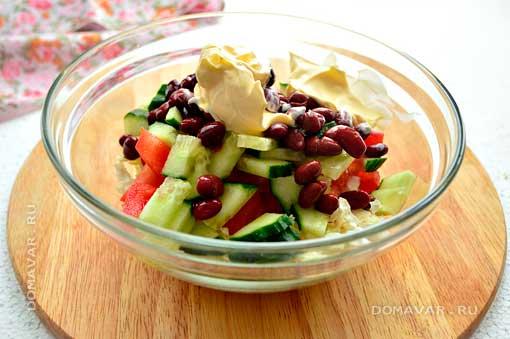 Салат с пекинской капусты и фасоли красной