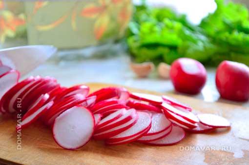 Овощной салат с редисом приготовление