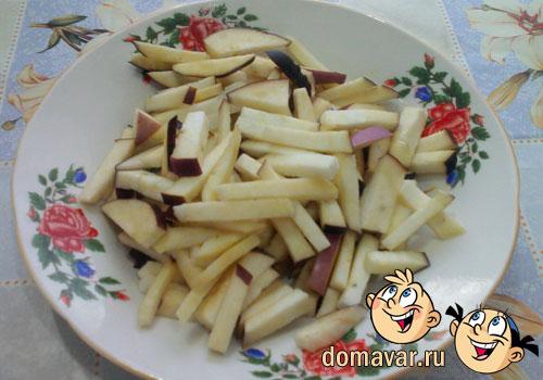 Овощной салат с баклажанами и сладким перцем
