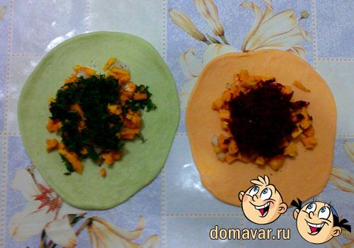 Вегетарианские манты из цветного теста