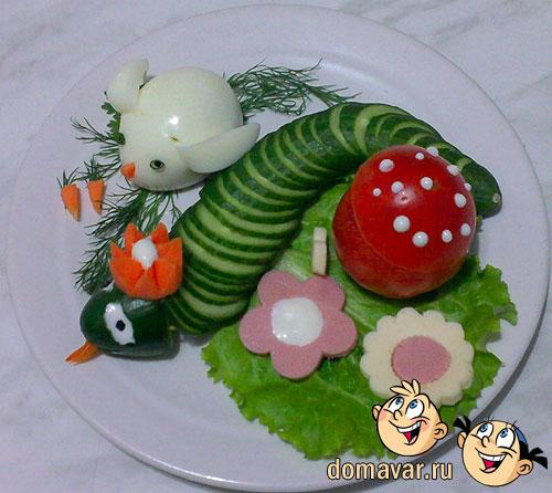Овощная нарезка с колбасой и яйцом
