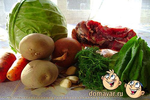Мясной суп с капустой и свежей зеленью