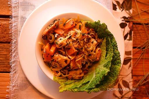 Тёплый салат с курицей и тыквой