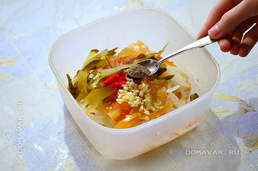 Салат из квашеной капусты фото