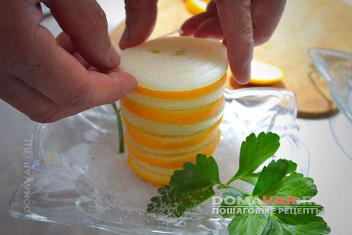 Лимон с луком и сахаром
