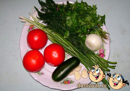 Овощной салат из свежих помидоров и огурцов